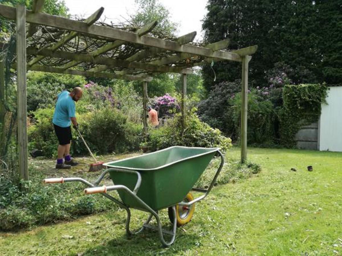 Contacteer ons voor klussen in huis en tuin